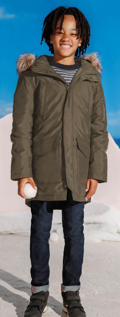 Chlapecká zimní parka s umělou kožešinou