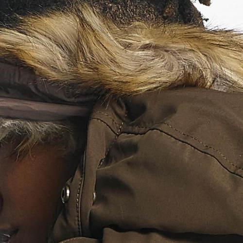 Bohatá kožešina na kapuci