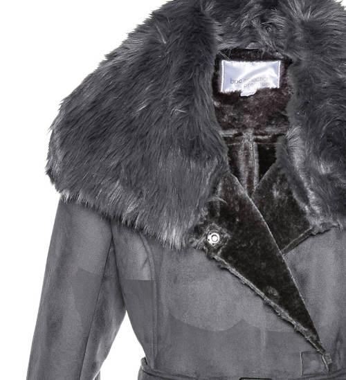 Kožený kabát s bohatým límcem
