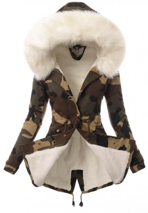 Maskáčová dámská zimní bunda s bílým kožíškem