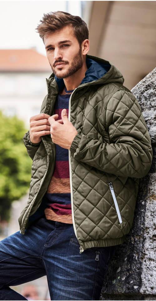 Pánská prošívaná zimní bunda s kapucí