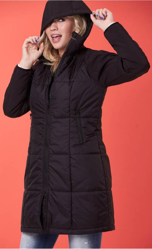 Černý prošívaný dámský kabát s kapucí