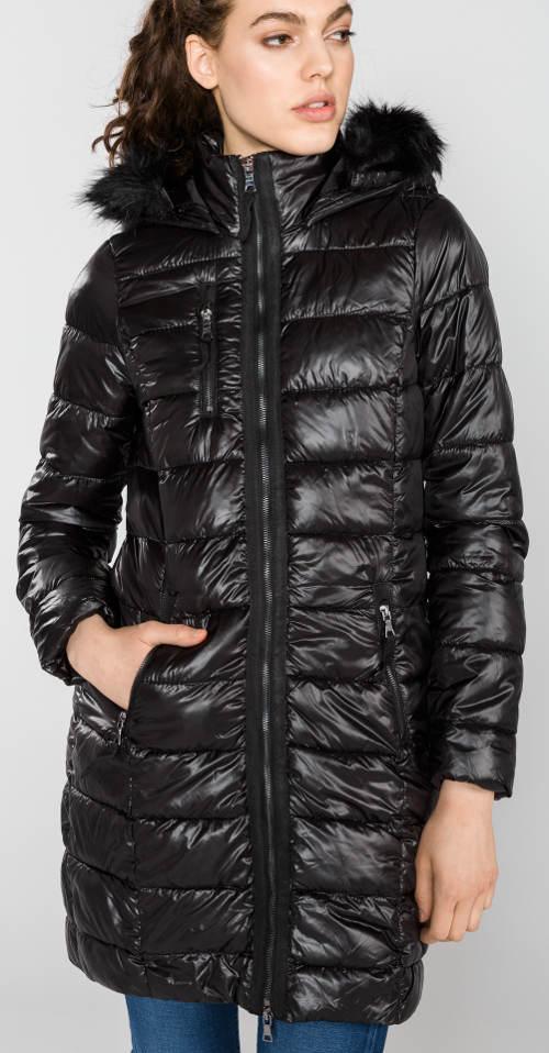 Dlouhá výprodejová dámská zimní bunda
