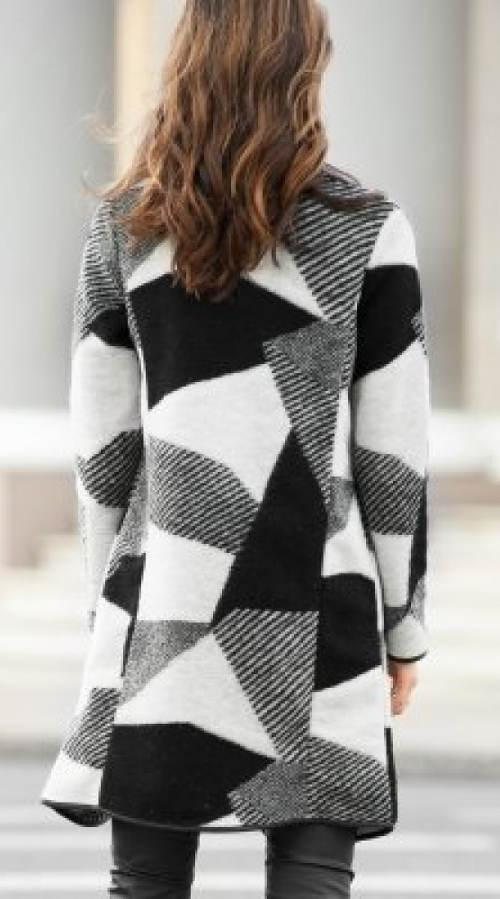 Černobílý patchwork kabát