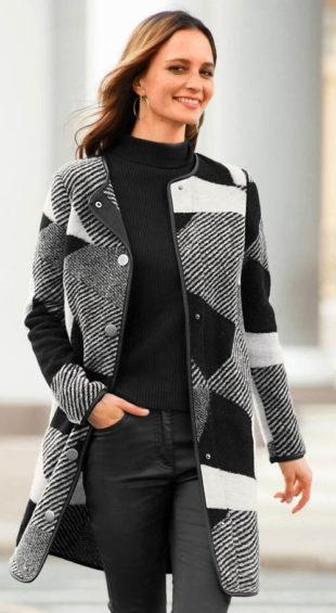 Dámský kabát s patchwork vzorem