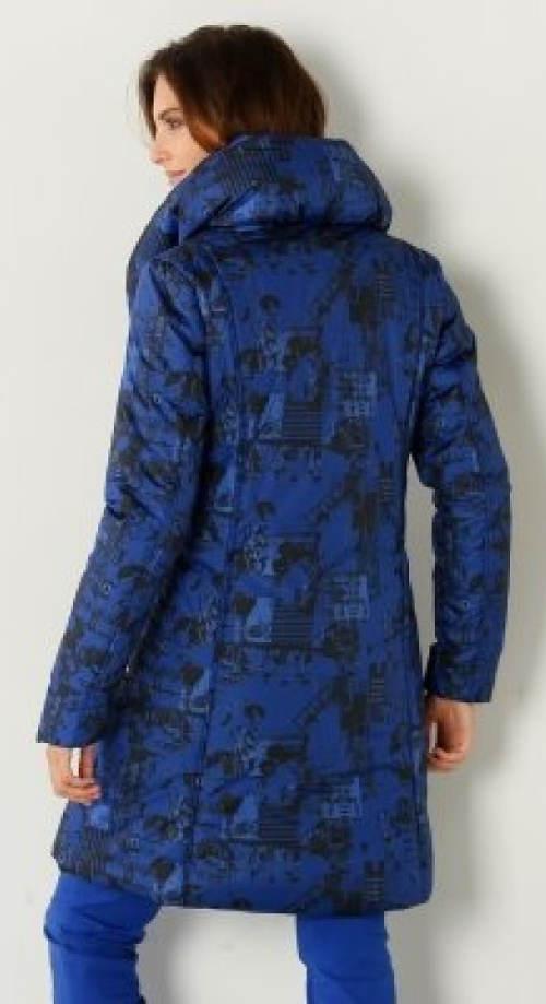 Modrá zimní bunda s vysokým sojáčkovým límcem