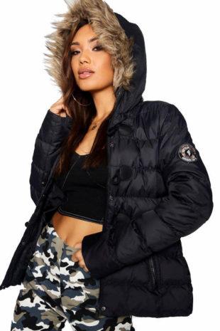Prošívaná zimní dámská bunda s kapucí s kožíškem