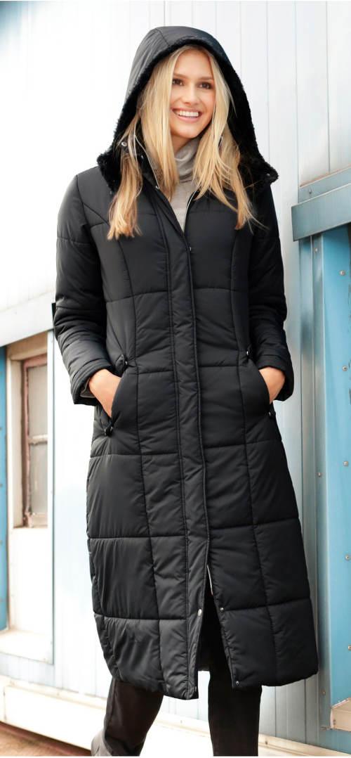 Dlouhý černý dámský prošívaný kabát s kapucí
