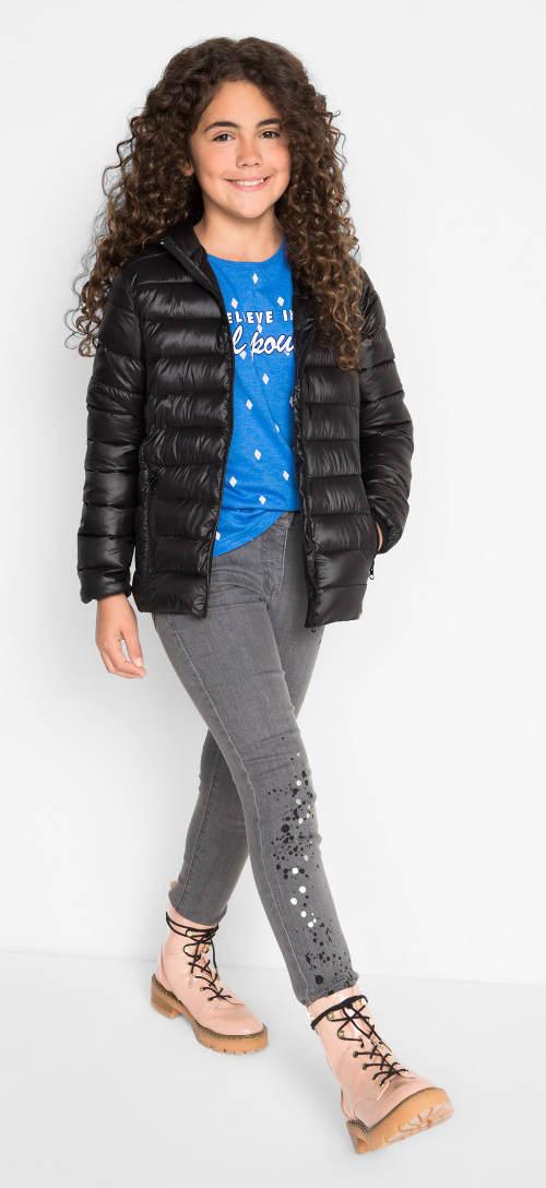 Černá lesklá dívčí zimní bunda