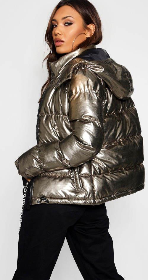 Lesklá zimní bunda pro mladé