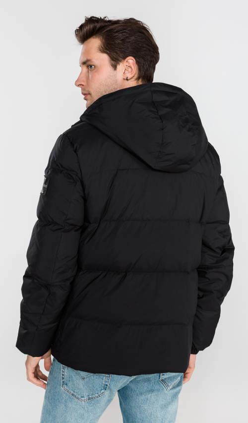 Černá pánská peřová bunda s odnímatelnou kapucí