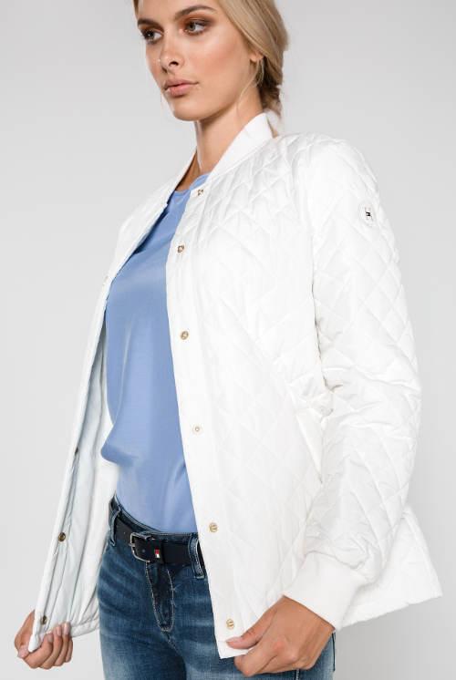 Dámská prošívaná podzimní bunda bílé barvy