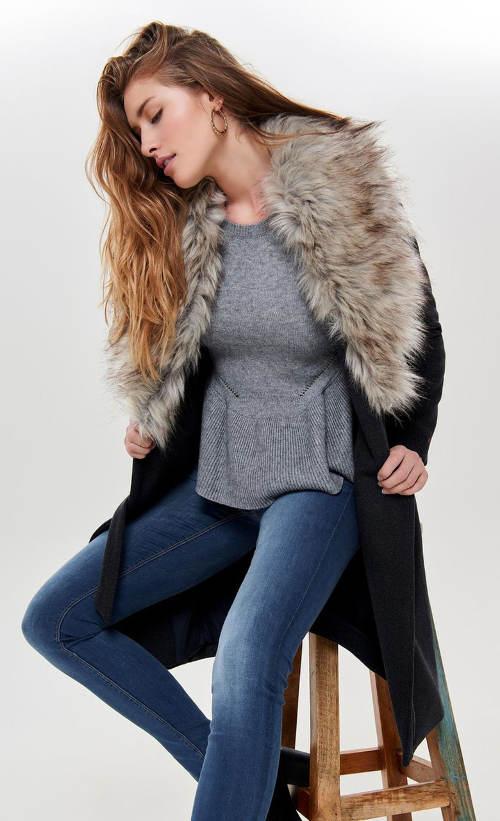 Dámský zimní kabát s odnimatelnou kožešinou