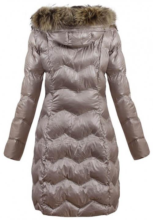 Dlouhá prošívaná stříbrná dámská zimní bunda