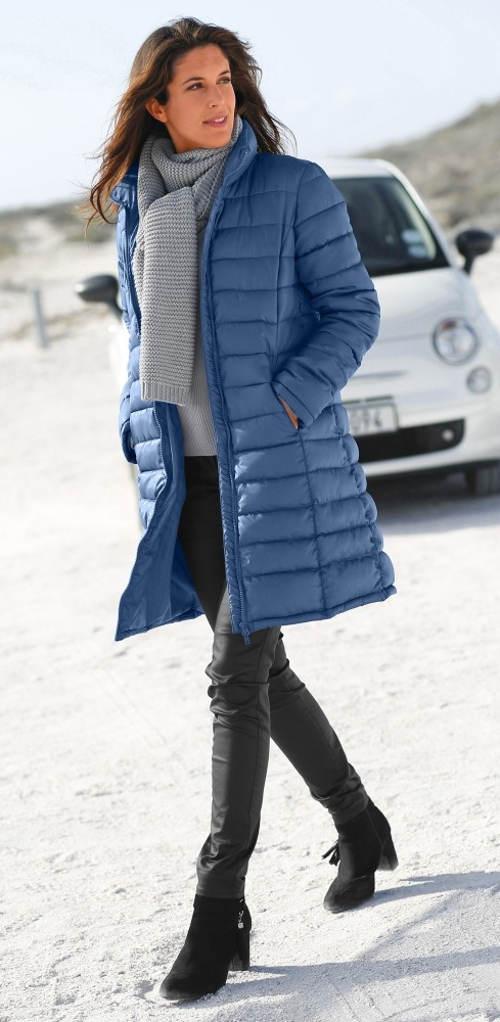 Dlouhá slevněná dámská zimní bunda s prošitím