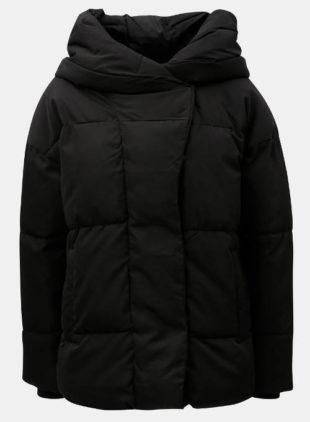Teplá černá dámská zimní bunda na hory