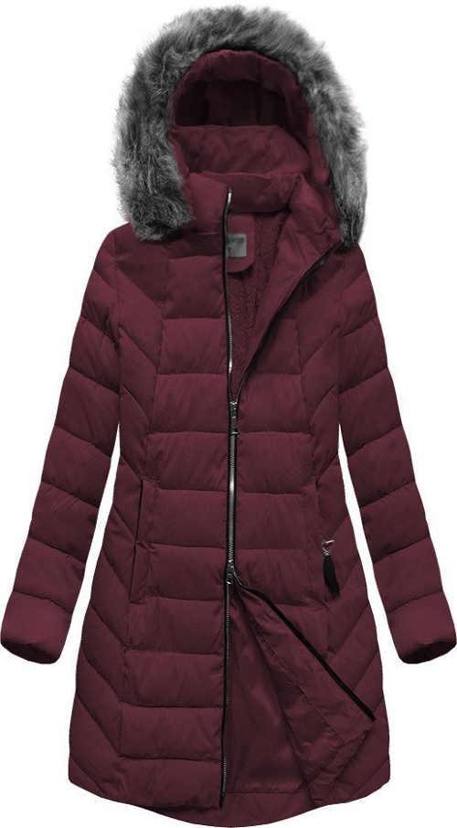 Dlouhá peřová dámská bunda v bordó barvě s kapucí