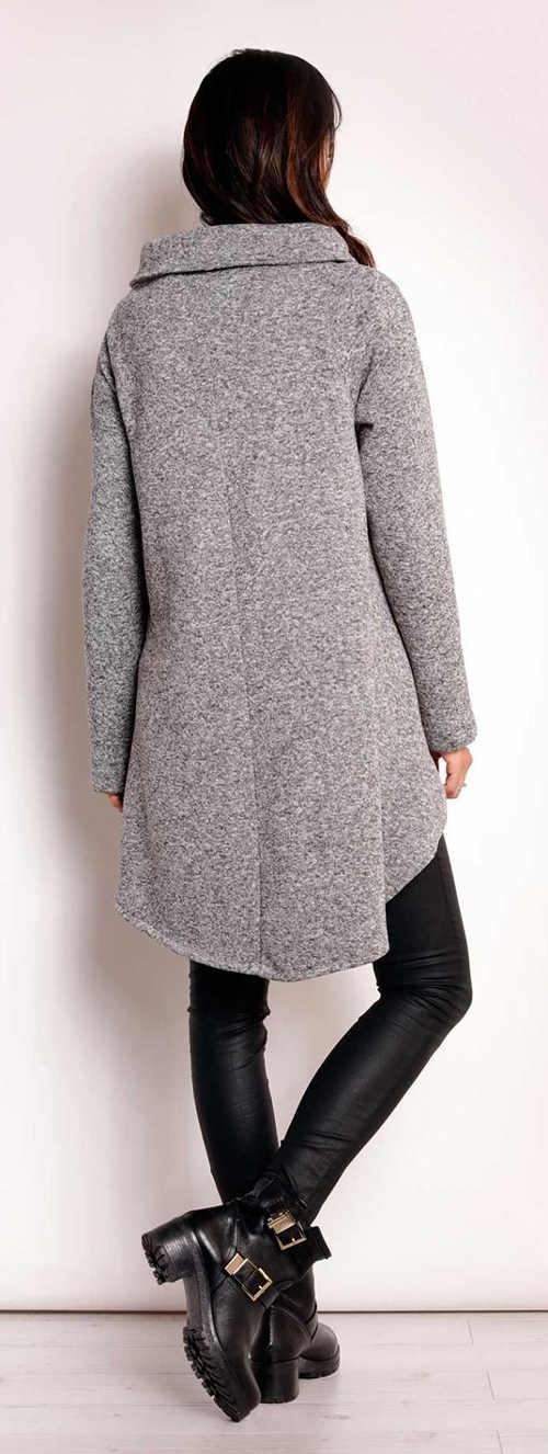Šedý dámský kabát s výrazným límcem