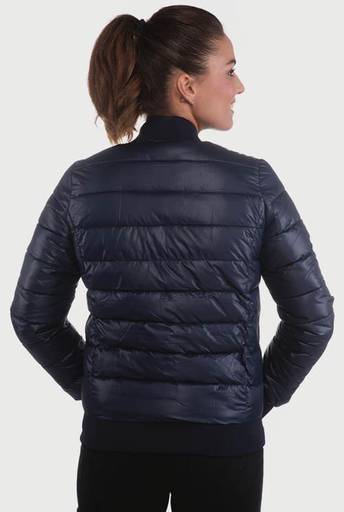 Levná dámská zimní bunda do pasu