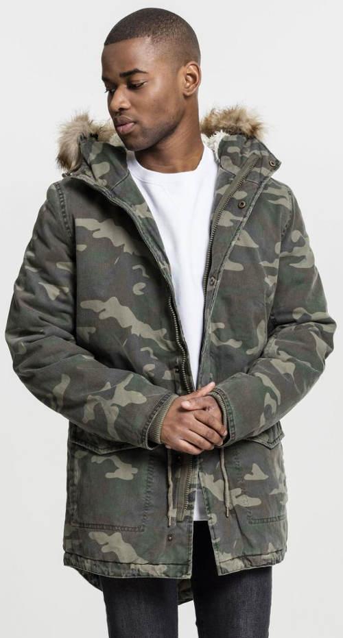 Pánská maskáčová zimní bunda s kožešinovou kapucí