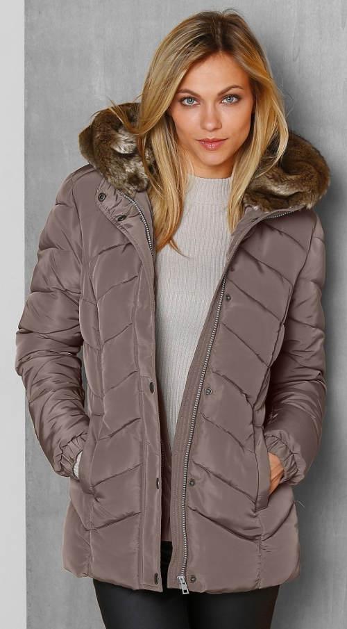 Dámská bunda s kapucí a kožešinovou imitací