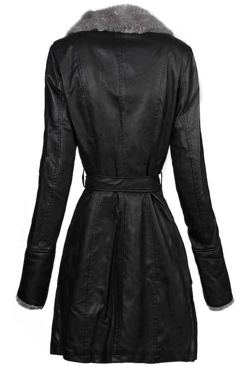 Vypasovaný černý dámský zimní kabát