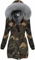Maskáčová dámská zimní bunda s kožešinovou kapucí