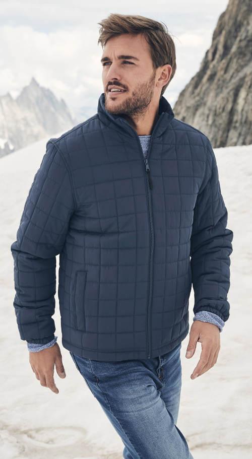 Tmavě modrá pánská zimní bunda s kostičkovaným prošitím