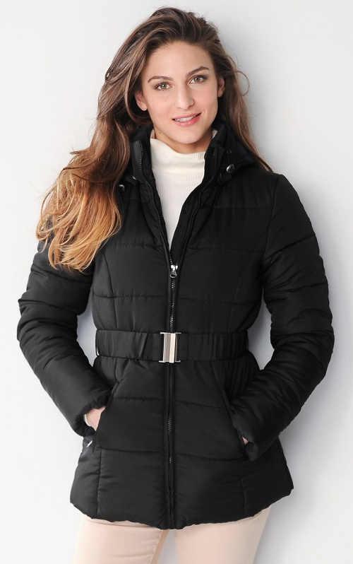Černá prošívaná dámská zimní bunda s páskem