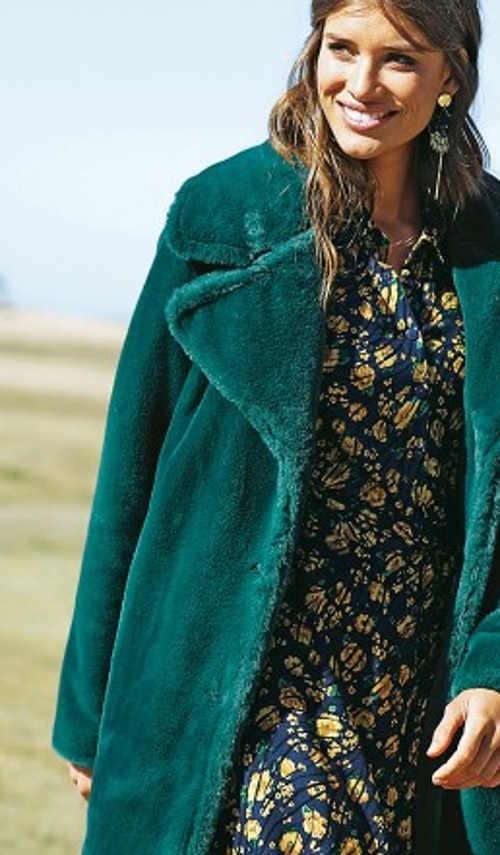 Dámský kabát v zelené barvě