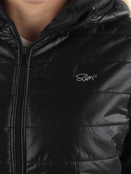 Jednobarevná černá dámská zimní bunda Sam 73