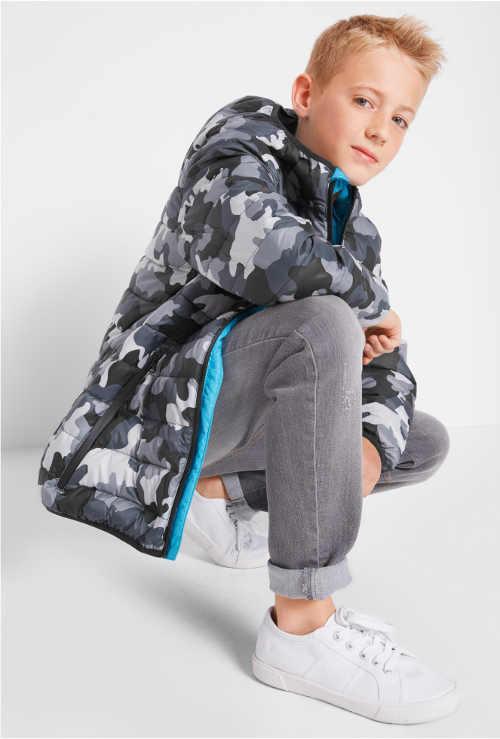 Prošívaná chlapecká zimní bunda s maskáčovým potiskem