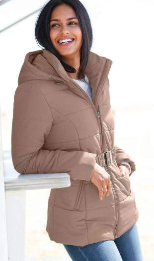 Prošívaná zimní bunda pro plnoštíhlé s opaskem