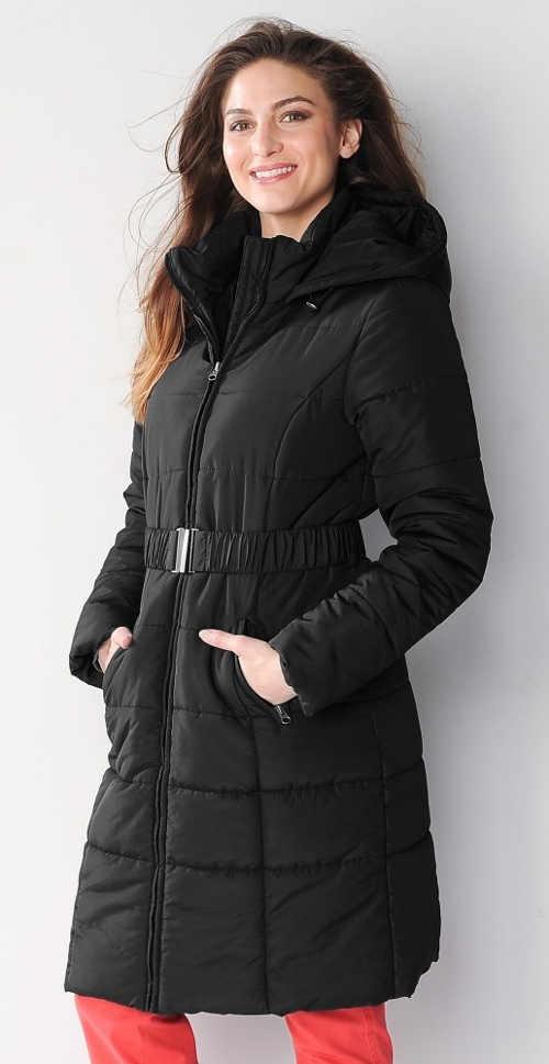 Dlouhá černá dámská zimní bunda s páskem