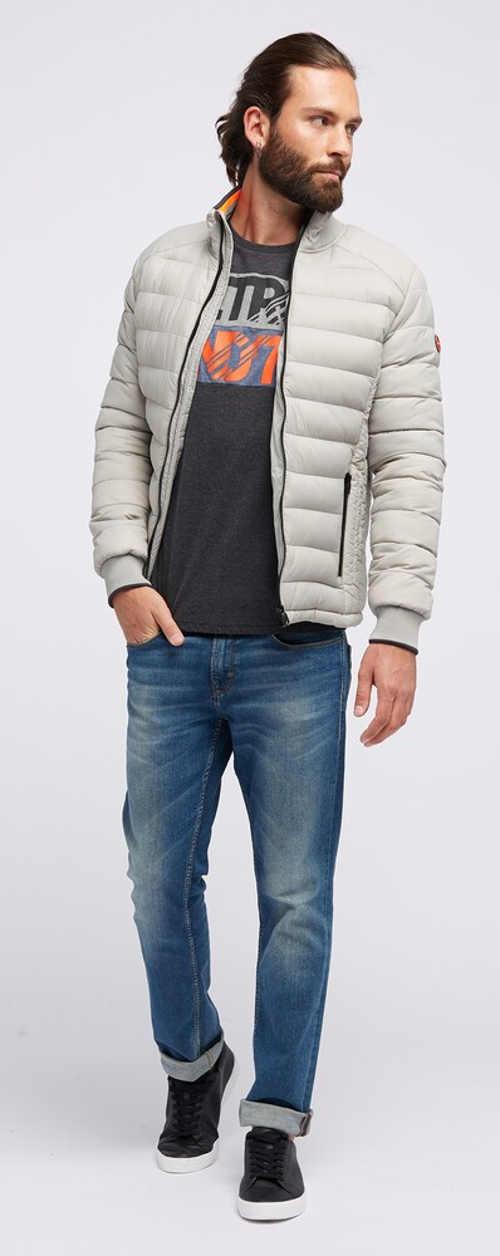 Bílá vypasovaná prošívaná pánská zimní bunda