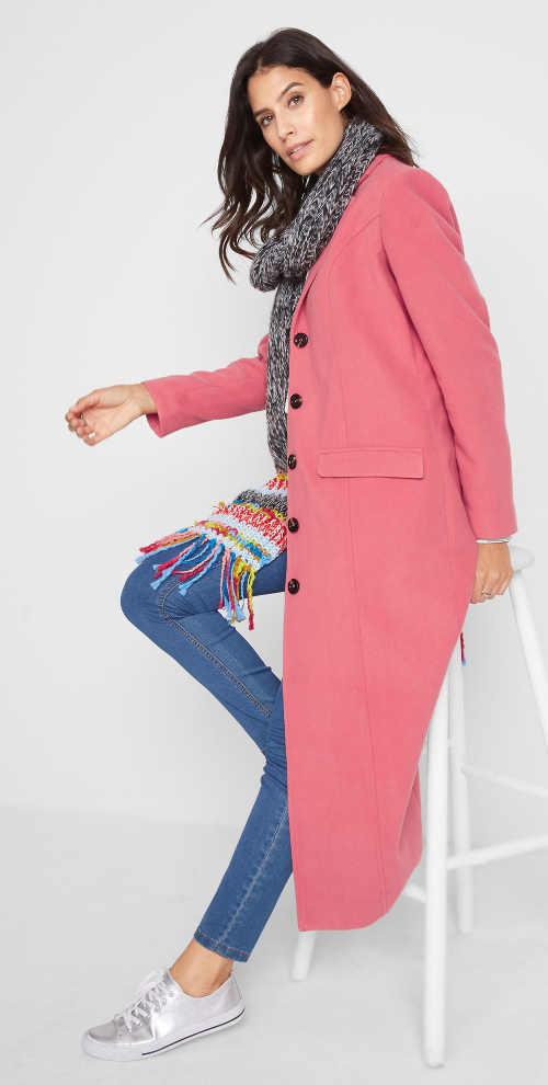 Dlouhý vlněný dámský kabát růžové barvy