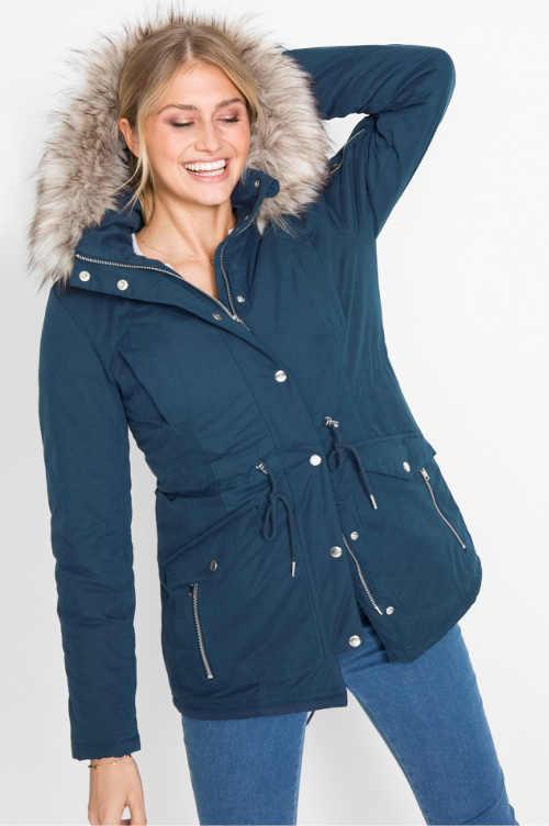 Modrá dámská zimní bunda k džínám