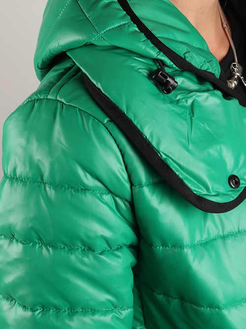 Sportovní dámská zimní bunda s dokonalou ochranou krku
