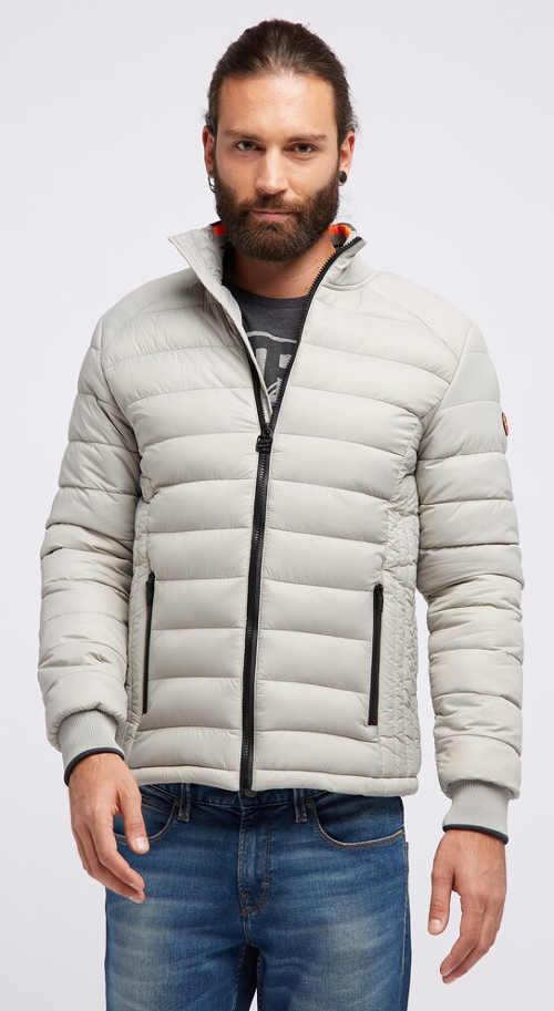 Světlá pánská zimní bunda s délkou do pasu