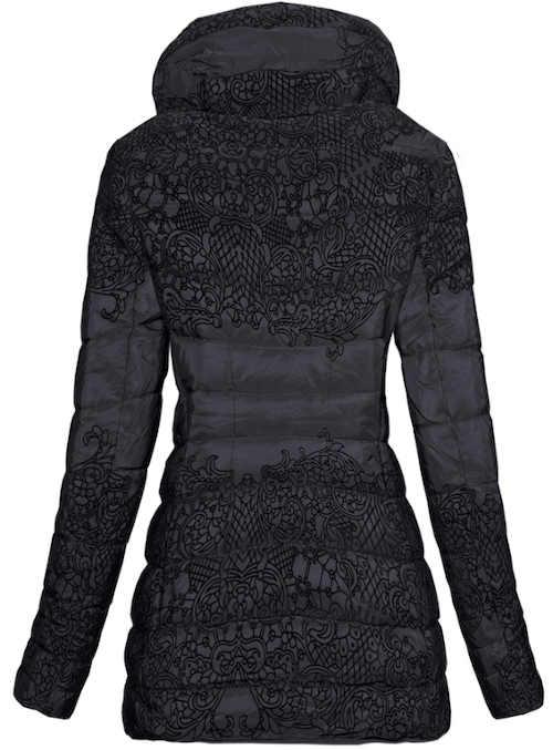 Prošívaná černá bunda nadměrných velikostí