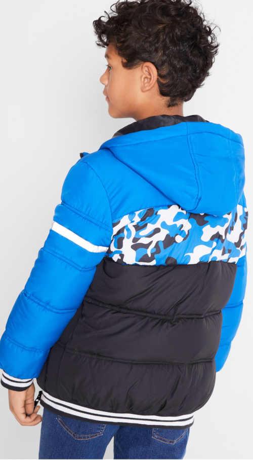Prošívaná klučičí zimní bunda s pruhovaným lemováním