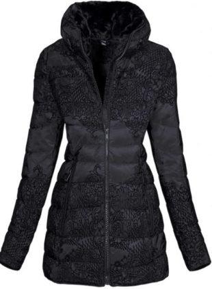 Černá zimní bunda s ornamenty květin