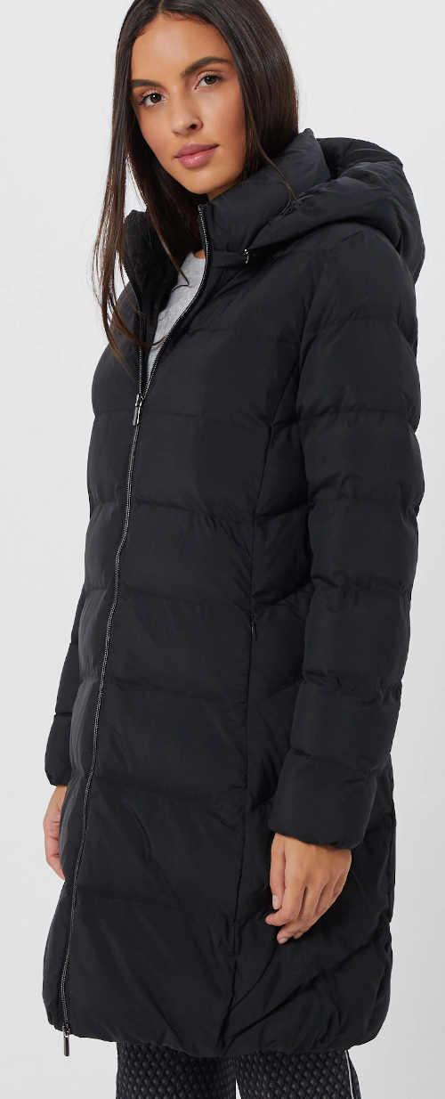 Černý zimní prošívaný kabát