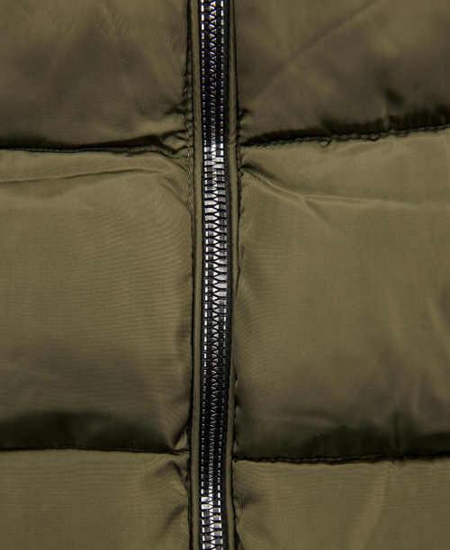 Dámská zimní bunda khaki barvy s černým zipem