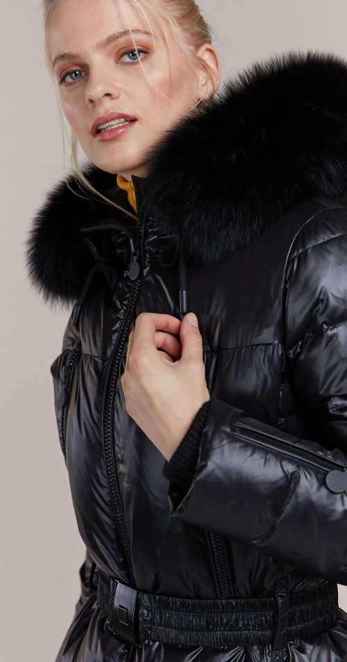Elegantní péřová bunda s páskem Kara