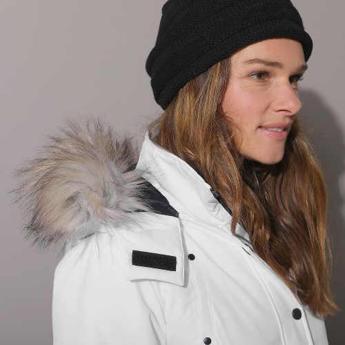 Bílá dámská zimní bunda s liškou