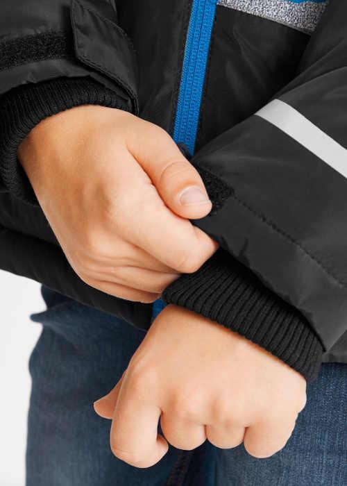 Dětská zimní bunda s náplety na konci rukávů