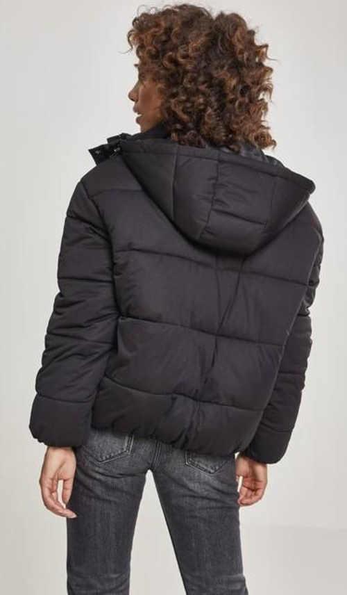 Černá péřová zimní bunda s kapucí