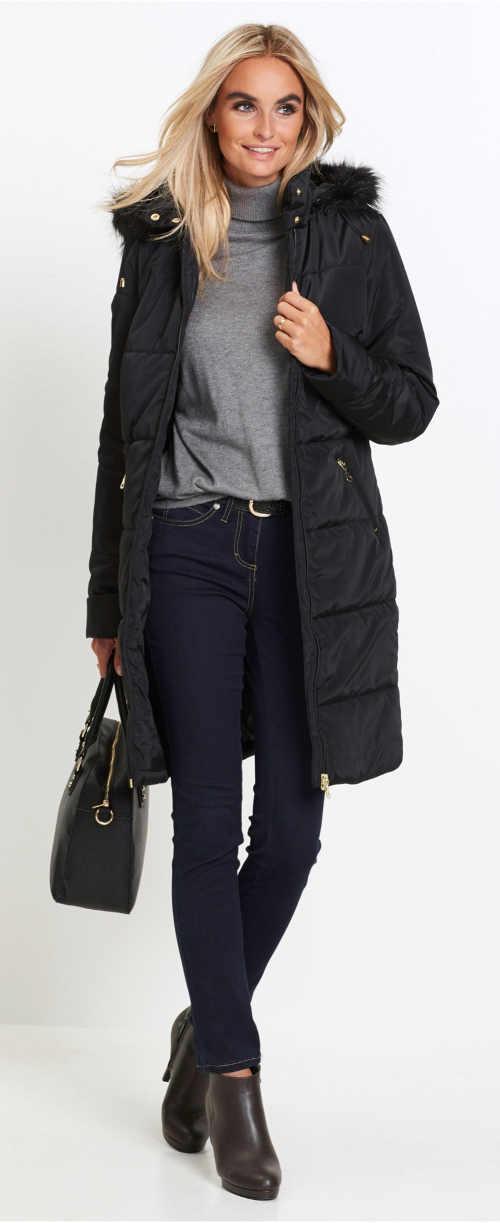 Černý prošívaný dámský zimní kabát s kožíškem