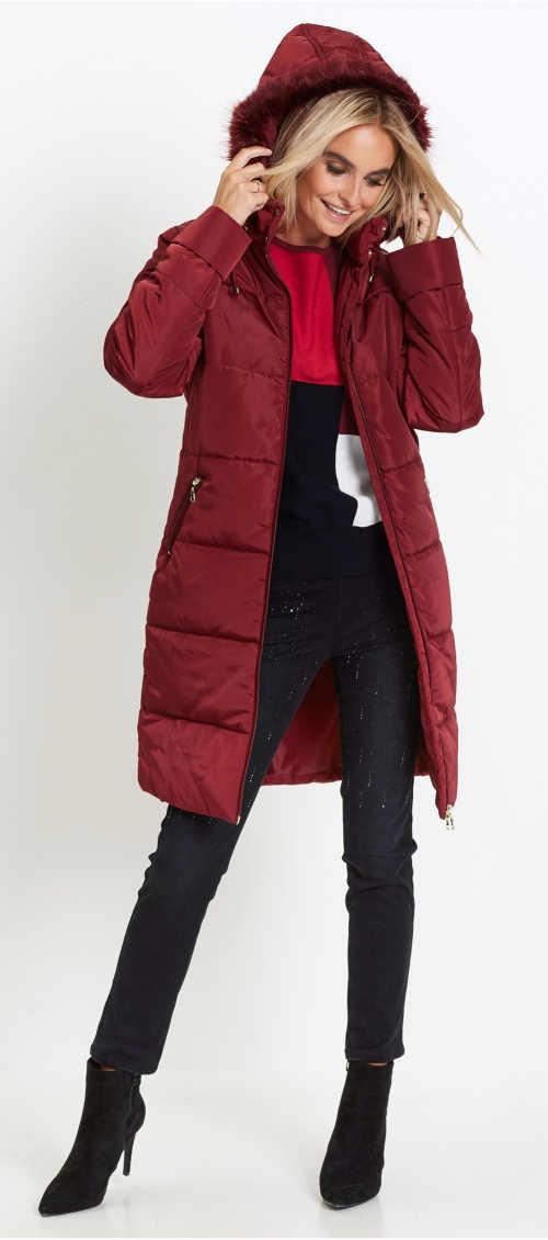 Teplý prošívaný dámský kabát s umělou kožešinou na kapuci